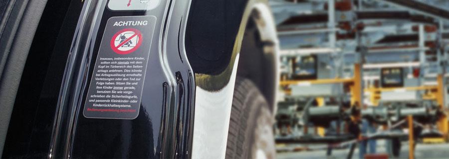 Hogyan egyszerűsítsük a címkézést egy összetett autóipari láncban?